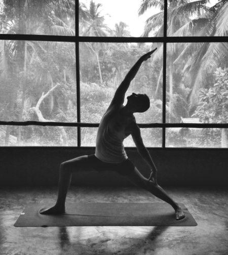patrice pose de yoga