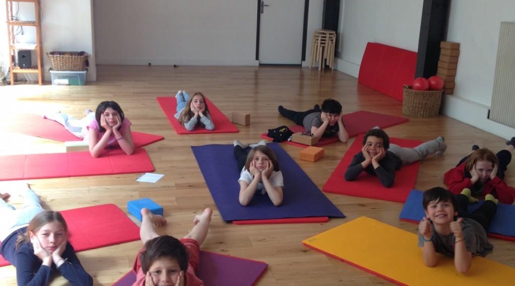 cours yoga enfants chaps la salle à paris 75011