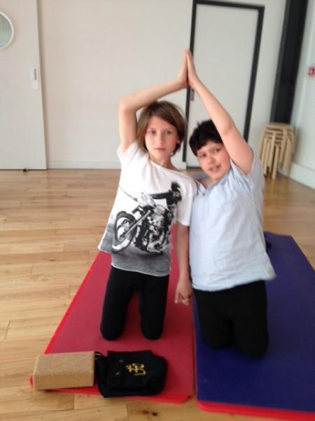 cours yoga enfants chaps la salle à paris