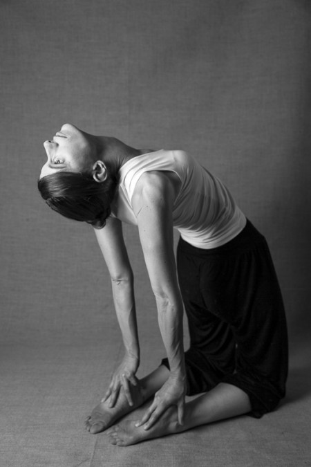 Cécile D. professeur yoga chaps photo JEAN-FRANÇOIS MERLE